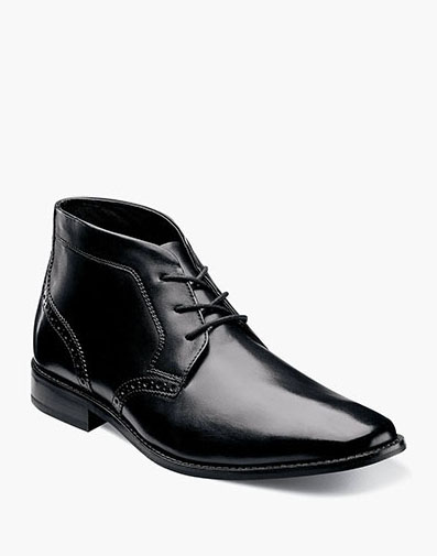 Montinaro Plain Toe Chukka Boot in Black for 89.90 dollars.