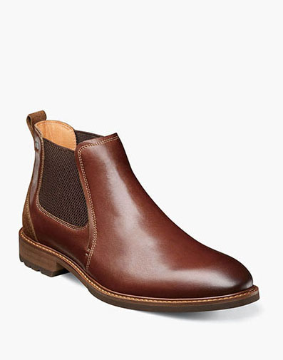Lodge Plain Toe Gore Boot in Chestnut.